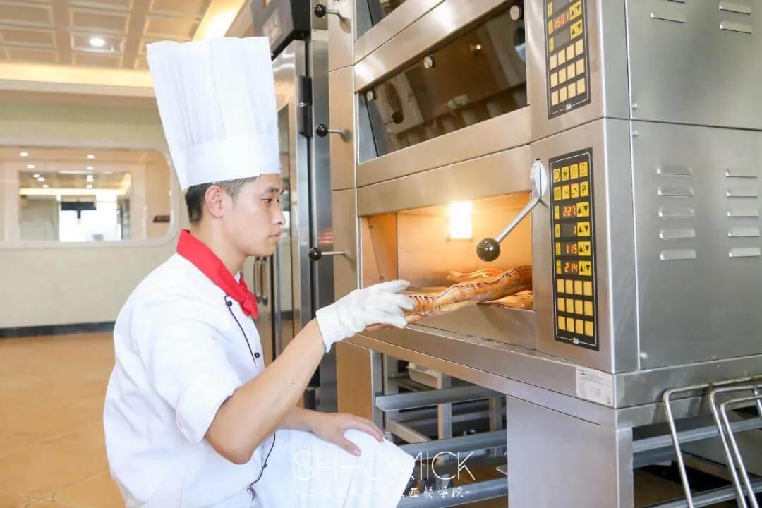 烘焙师培训指南│烘焙行业发展过程中出现的不足!