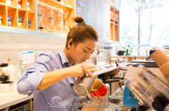 """高级咖啡师工资10000竟辞职?只能用""""励志""""来形容"""